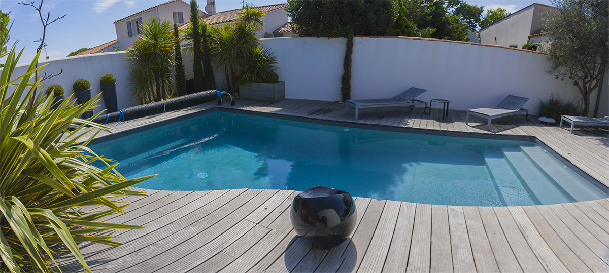 Location villa de charme avec piscine privative sur l 39 ile for Big blu piscine